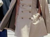 Consigue fantástico trench-capa Victoria Beckham