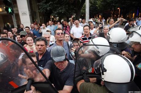 Grupos violentos impiden la celebración del Orgullo LGTB en la ciudad griega de Tesalónica