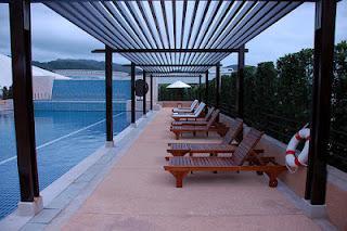 Las piscinas seguras e higi nicas i p rgolas y bombas for Pergolas para piscinas