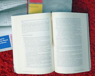 Colección libros sobre libro foto:(c)marianaeguaras.com