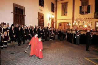 LOS ESCOLTAS DE LAS CORPORACIONES LOCALES Y LA INDEPENDENCIA RELIGIOSA.