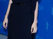 Angelina Jolie, Ferragamo, presenta Berlinale Tierra Sangre Miel'
