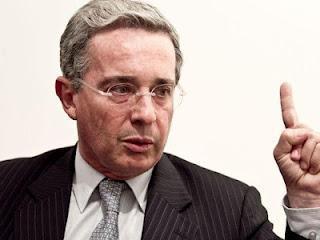 Uribe convoca una Asamblea Constituyente