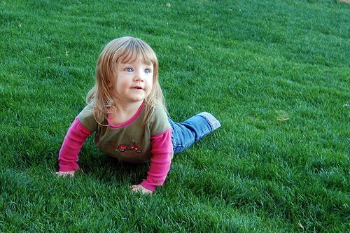 La hormona de crecimiento puede aumentar la presión ocular en niños