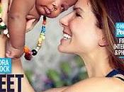 Sandra Bullock presenta bebé