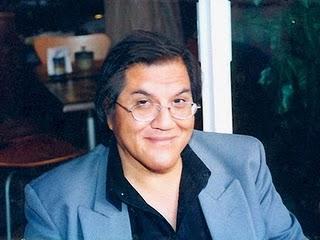 Roberto Castro, lápiz bicolor en el exterior - roberto-castro-lapiz-bicolor-el-exterior-L-1