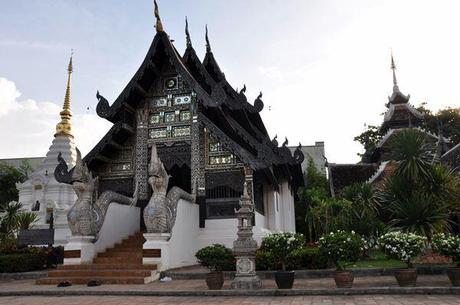 Wat Chedi Luang Monk Shrine Wat Chedi Luang