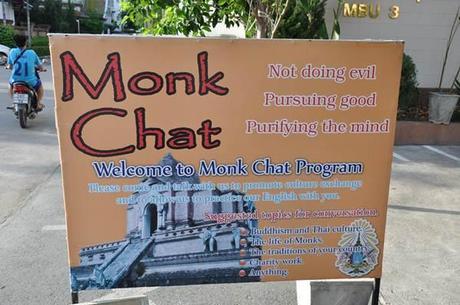 Monk Chat Wat Chedi Luang