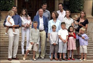 La crisis alcanza a la Familia Real española. O no