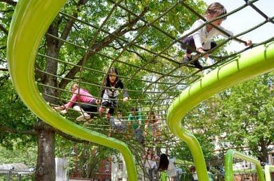 Intervenciones urbanas: jugando como niños