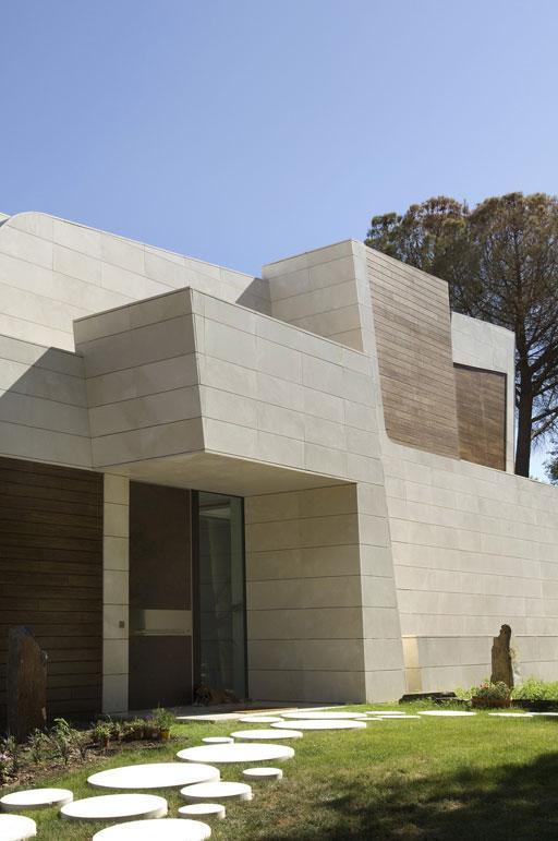 Os presentamos una nueva vivienda que acabamos de finalizar a las afueras de Madrid (imágenes diurnas)