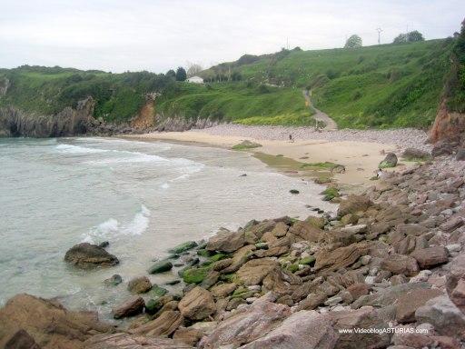 Playa de Andrin en Llanes: Zona derrumbes