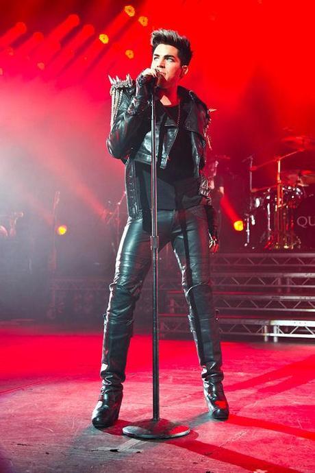 Adam Lambert is set to guest star in Pretty Little Liars Season 3.