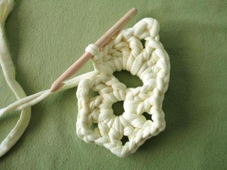DIY tutorial o manual para tejer flor de crochet de 5 petaloas