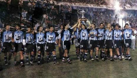 Equipos históricos: Racing 2001, la gloria en medio del descalabro