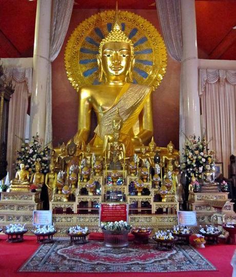 Phra Chao Thong Tip Wat Phra Singh