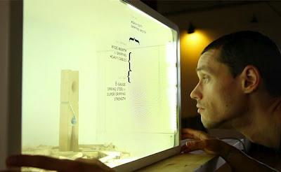 Realidad aumentada con Kinect y una pantalla LCD transparente
