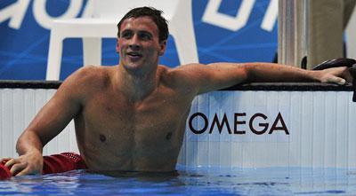 Phelps se queda sin recursos ante un Lochte colosal