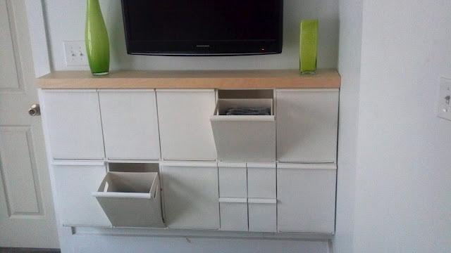 Ikea hack recibidor con contenerdores de reciclaje retur for Cubos de reciclaje ikea