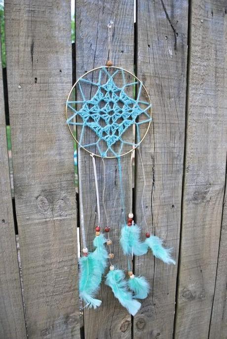 DIY tutorial atrapasueños dreamcatcher con crochet o ganchillo y plumas