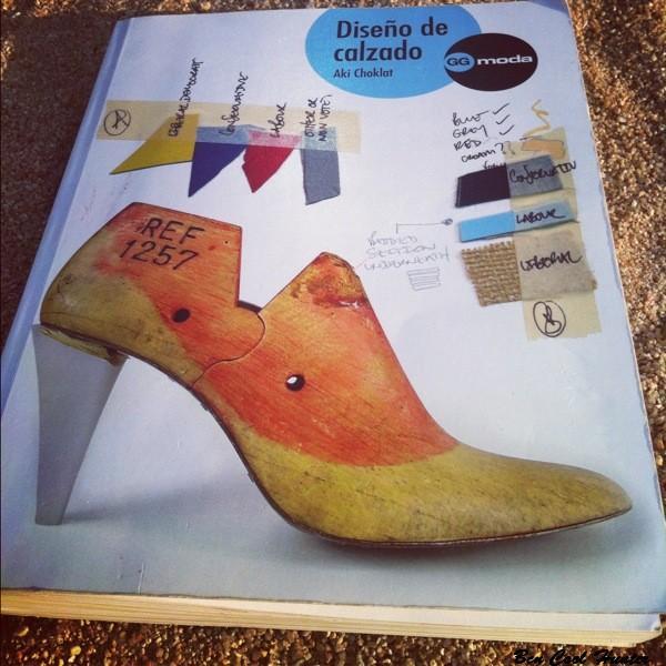 Dise o de calzado el manual de moda dedicado a los for Diseno de zapatos