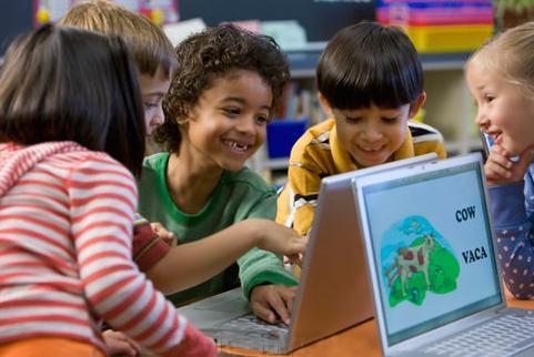 Ser bilingüe puede incrementar la habilidad mental en la infancia