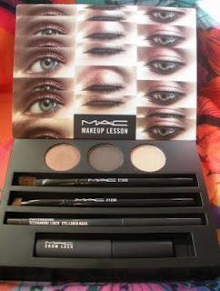 DIY: de caja Makeup Lesson Smokey de MAC a paleta de sombras