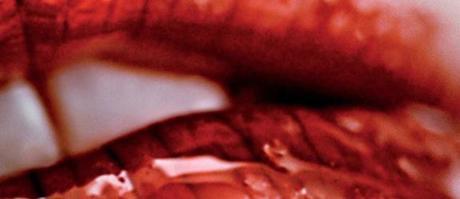 antiviral-se-presenta-con-un-trailer-y-un-poster-made-in-cronenberg