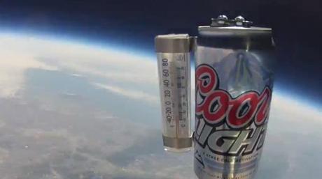 Mandar una lata al espacio, una nueva forma de enfriar la cerveza
