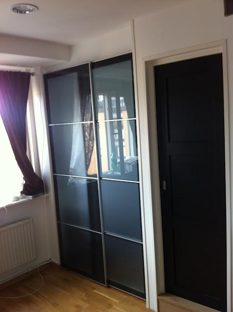 Ikea hack puertas de armario pax como puertas correderas - Puerta armario ikea ...
