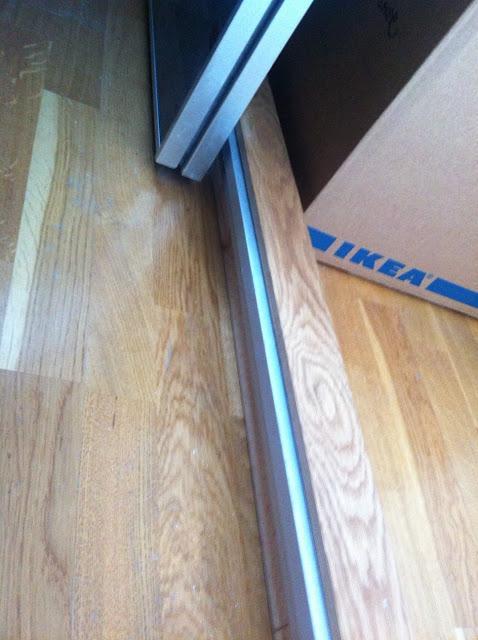 Ikea-Hack: Puertas de armario Pax como puertas correderas para separar ...