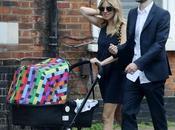 Sienna Miller pasea bebé cochecito moda, Bugaboo Missoni