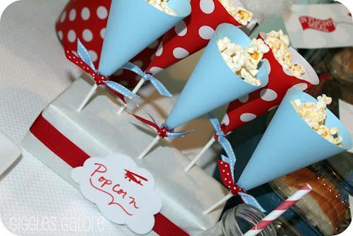 Tutoriales para conos de papel y sus stands paperblog - Hacer conos papel ...