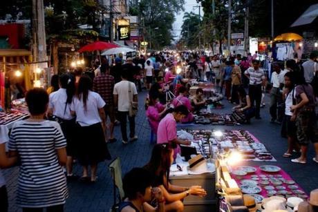 Sunday Market 600x401 De compras en Chiang Mai