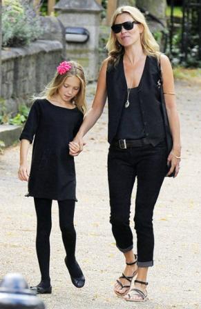 Kate Moss y Lila Grace, de Londres a St. Tropez con mucho estilo