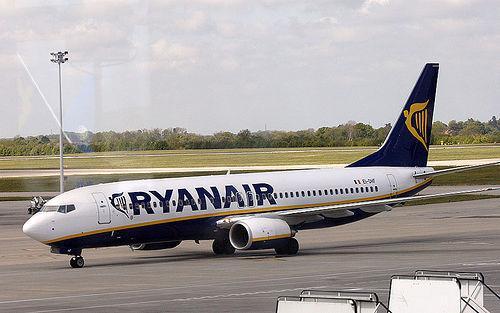 Ryanair Boeing 737-800 EI-DHF