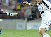 Iniesta deslumbra Valdés pifia ante Madrid efectivo (3-2)