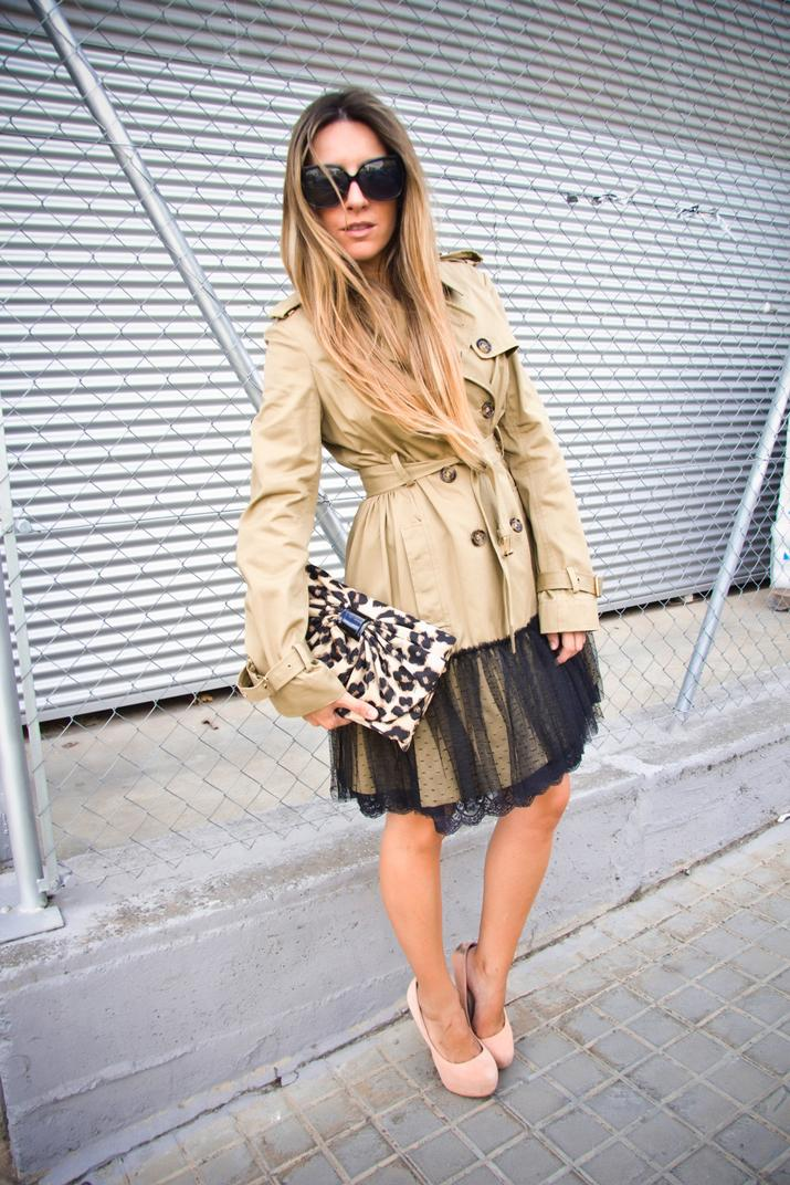 Fashion blogger wearing Autumn Winter 2013 trends: outfit with military trench by Red Valentino