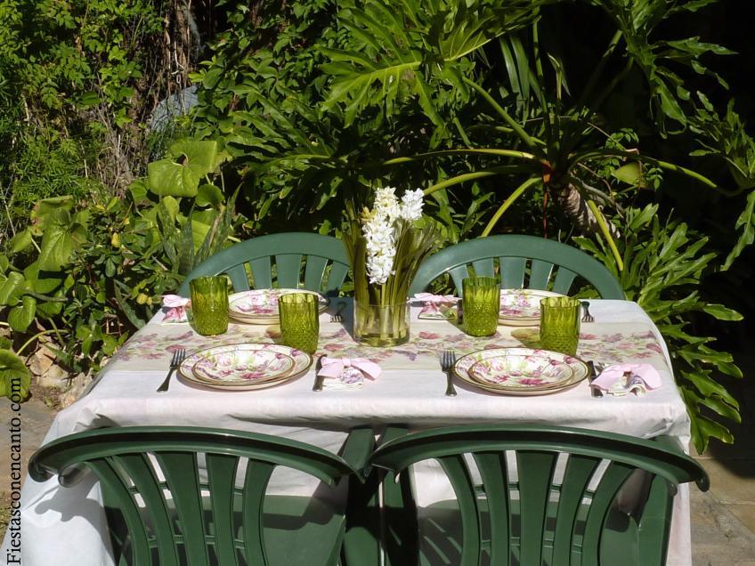 decoraci n de mesa en el jardin lilas paperblog On decoracion mesa jardin