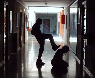 El lunes se presenta un estudio que demuestra la relación entre acoso escolar homofóbo y riesgo de suicidio
