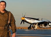 John Travolta Breitling prosiguen vuelo común