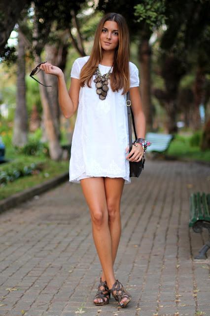 http://m1.paperblog.com/i/146/1466926/lwd-little-white-dress-L-uW_p5g.jpeg