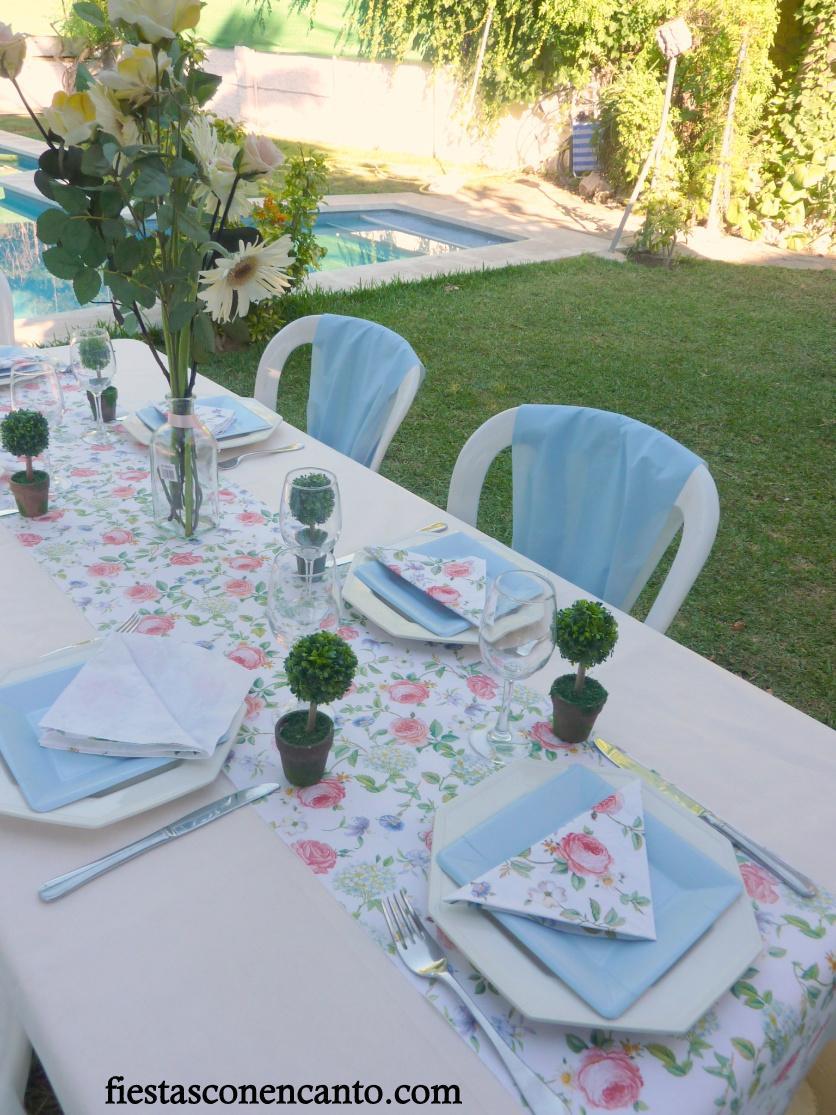Mesa de comuni n o bautizo en rosa y celeste paperblog for Plato de decoracion marroqui salon 2014