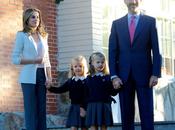 Dña. Letizia lleva hijas colegio. Analizamos look