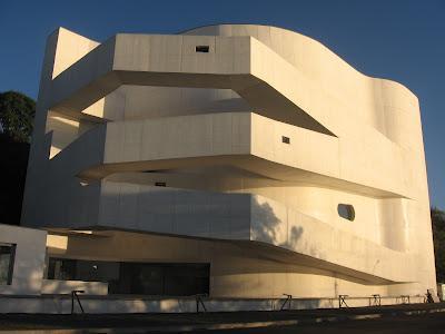 Visitando la Fundación Iberê Camargo de Alvaro Siza/ Visiting Iberê Camargo Foundation Building from  Alvaro Siza