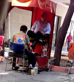 El bolero paperblog for Sillas para bolear zapatos