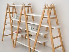 librería hecha escaleras