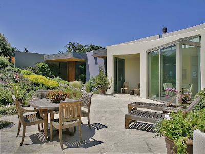 Patios exteriores rusticos mobiliario y jardin paperblog for Decoracion jardines exteriores rusticos