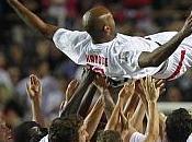 Kanouté despide todo alto Sevilla 'Champions Africa'