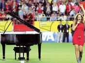 Himno Sevilla piano interpretando María Toledo.